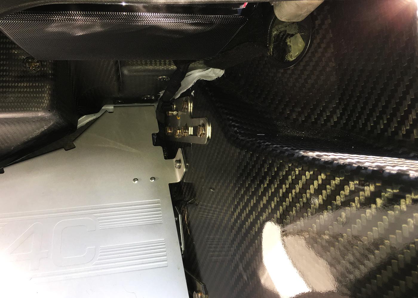 alfa-romeo-4c-spider-car-akustik3