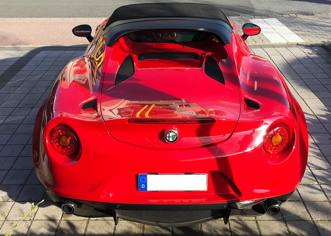 alfa-romeo-4c-spider-car-akustik5